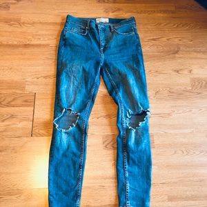 Free people high rise skinny distressed jeans 27